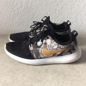 Men NikeiD Rosche Running Shoes size 14